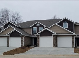 Townhouse | 975 Eagle Court Blue Springs, MO 64015